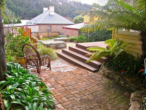 Gorgeaous garden area hobart cottage