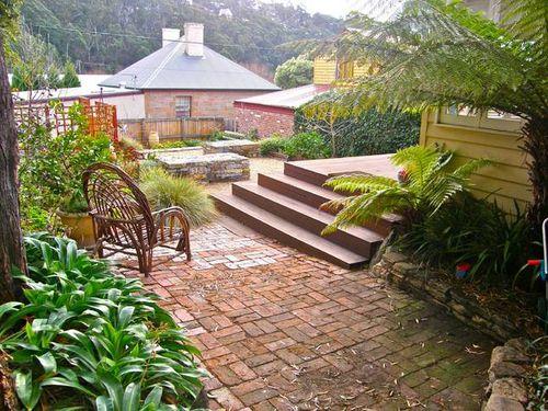 Gorgeaous garden area hobart cottage