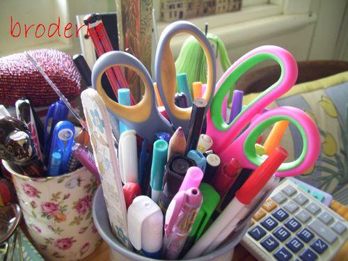 Scissors 010